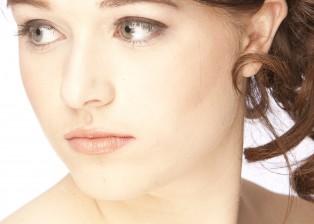 Makeup : Krisz Drouillard  Hair : Joy Clark